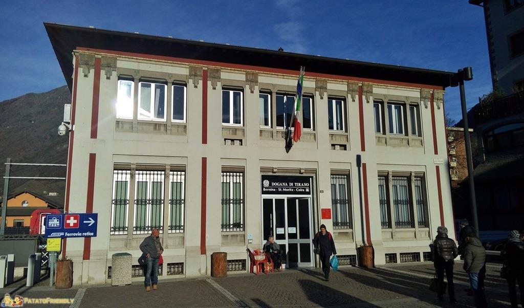 [cml_media_alt id='5563']Il trenino rosso del Bernina - La stazione di Tirano[/cml_media_alt]