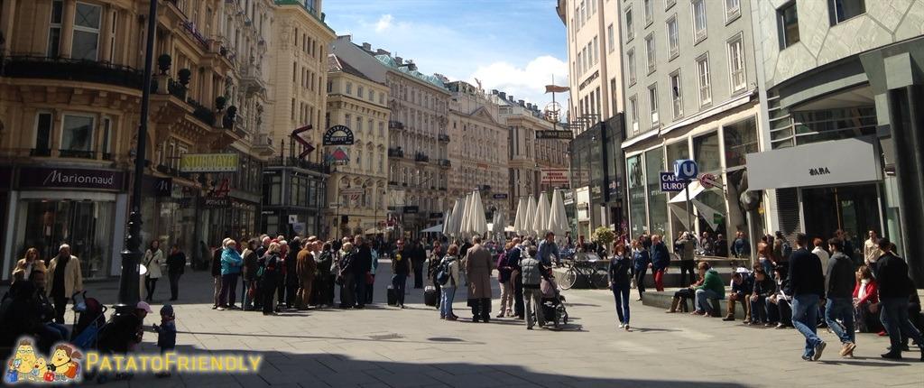 [cml_media_alt id='5896']Mamma paranoica - Perdersi tra la folla a Vienna[/cml_media_alt]