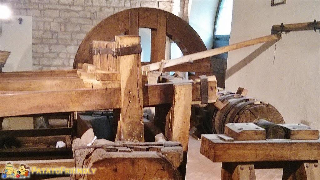[cml_media_alt id='5786']Museo della carta di Fabriano - Le antiche macchine per la lavorazione[/cml_media_alt]