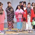 Ragazze giapponesi in abito tradizionale a Nara
