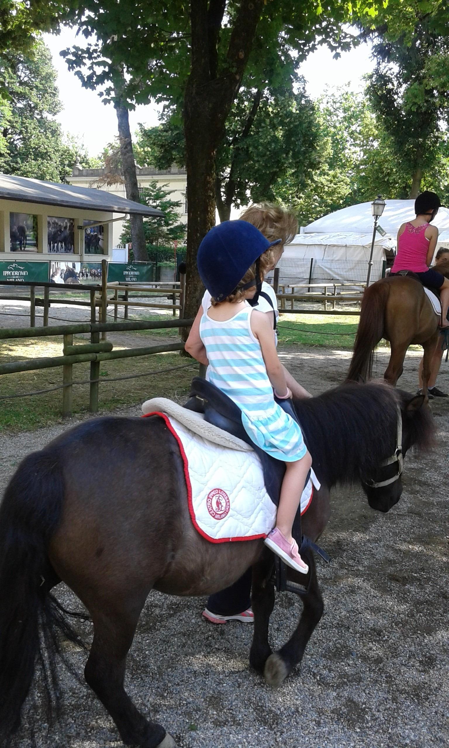 La piccola Camilla a Cavallo - Credits Benedetta
