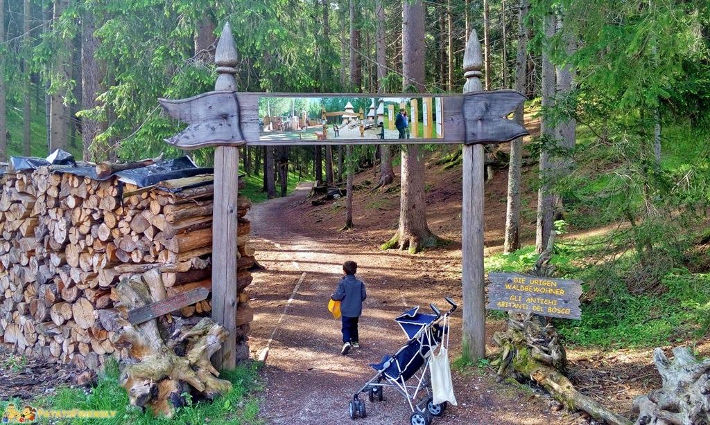 [cml_media_alt id='5878']Alta Val Pusteria - L'ingresso del Parco del Bosco Incantato a Dobbiaco[/cml_media_alt]