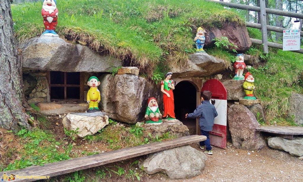 [cml_media_alt id='5879']Alta Val Pusteria - La casa di Biancaneve e i Sette Nani presso l Hotel Rainer[/cml_media_alt]