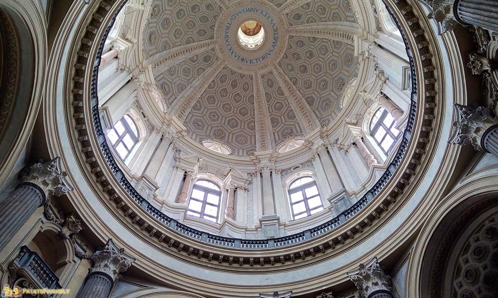 [cml_media_alt id='5514']Cosa vedere a Torino con i bambini - La maestosa cupola della Basilica di Superga[/cml_media_alt]
