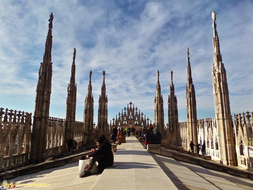 [cml_media_alt id='5365']Cosa fare a Milano coi bambini - Salire sul Duomo di Milano - I camminamenti fra le guglie del Duomo[/cml_media_alt]