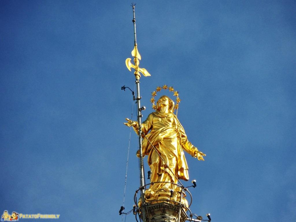 Salire sul Duomo di Milano - La Madonnina, simbolo della città meneghina