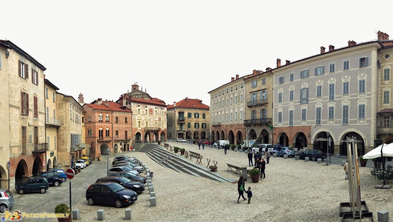 Cosa vedere a Mondovì - La piazza a Mondovì alta