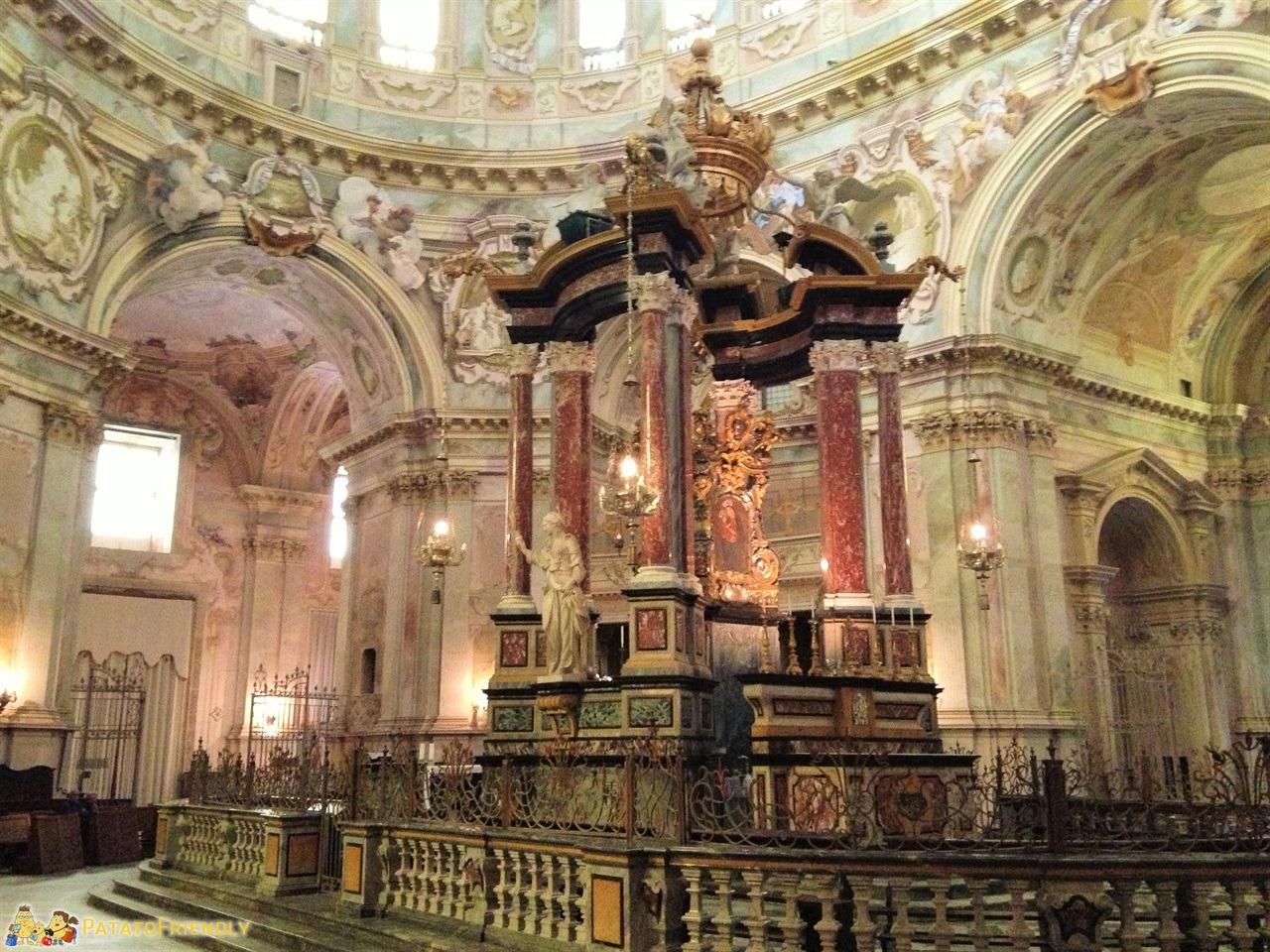 [cml_media_alt id='6561']Gli interni del Santuario di Vicoforti a Mondovì[/cml_media_alt]