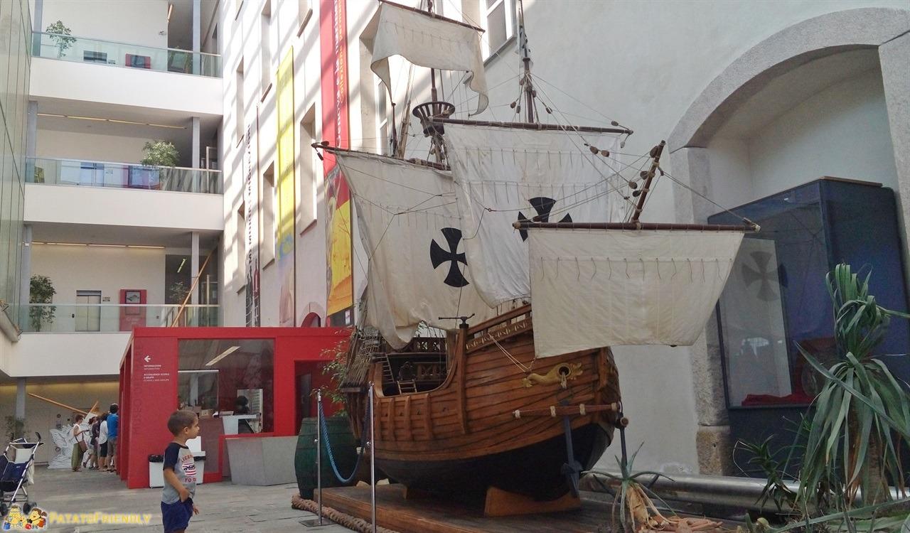 [cml_media_alt id='6286']Galata Museo del Mare a Genova - La riproduzione in scala di una delle tre Caravelle di Cristoforo Colombo[/cml_media_alt]