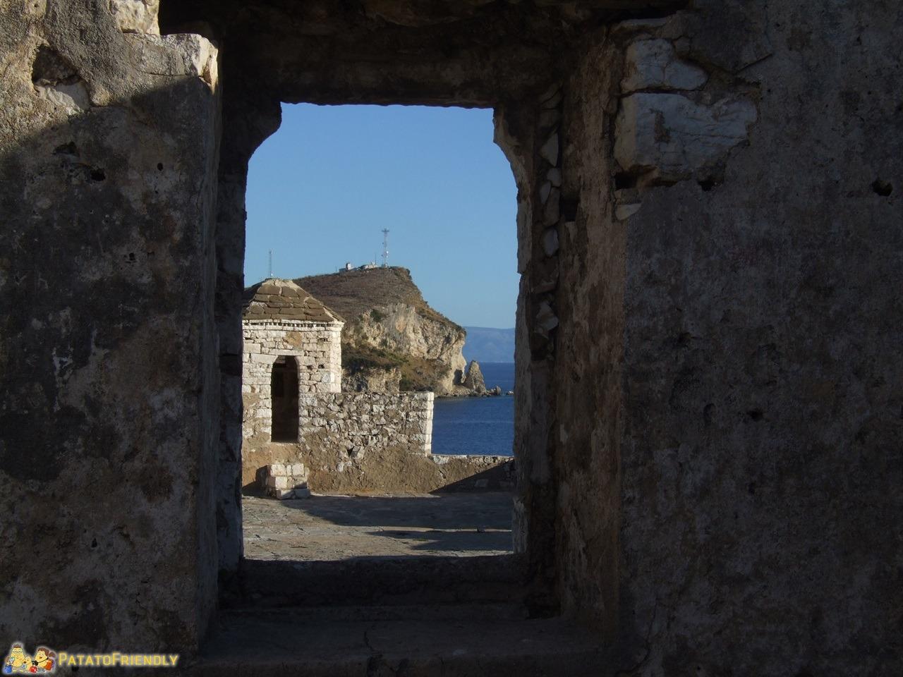 La Riviera Albanese - Il castello di Porto Palermo