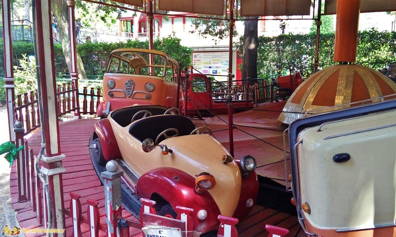 [cml_media_alt id='6006']Parco di Pinocchio - Una delle giostre antiche[/cml_media_alt]