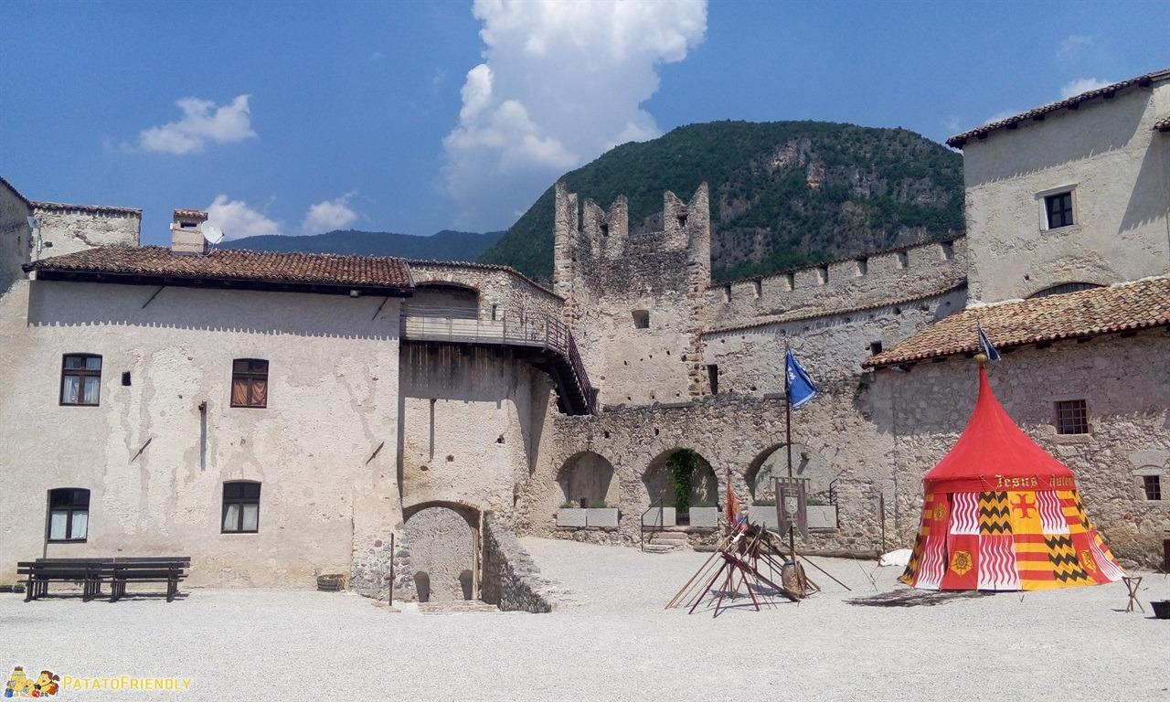 [cml_media_alt id='6346']Castel Beseno - La ricostruzione storica[/cml_media_alt]