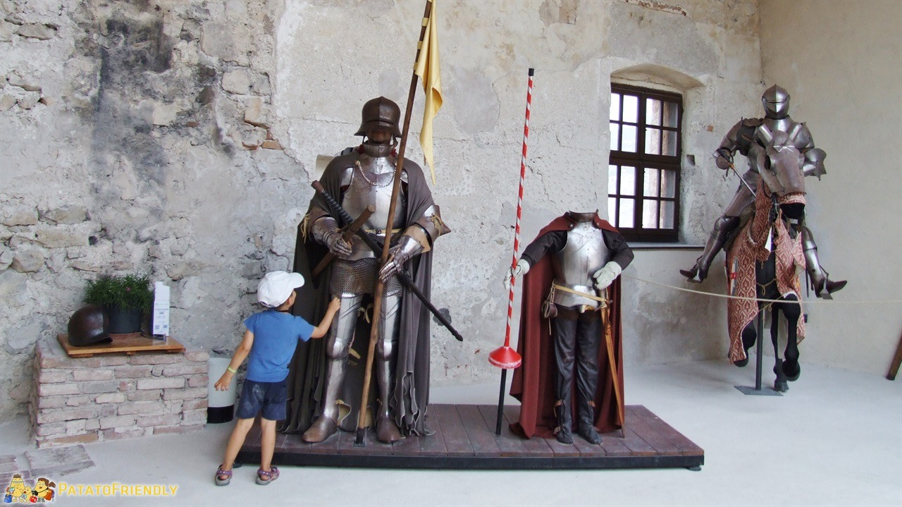 [cml_media_alt id='6339']Castel Beseno - Le armature[/cml_media_alt]