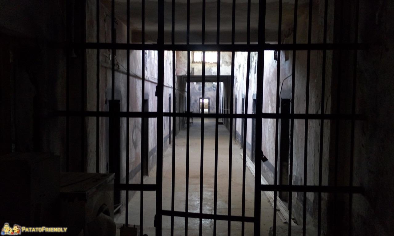 [cml_media_alt id='6488']Gjirokastra - Le prigioni del Castello[/cml_media_alt]