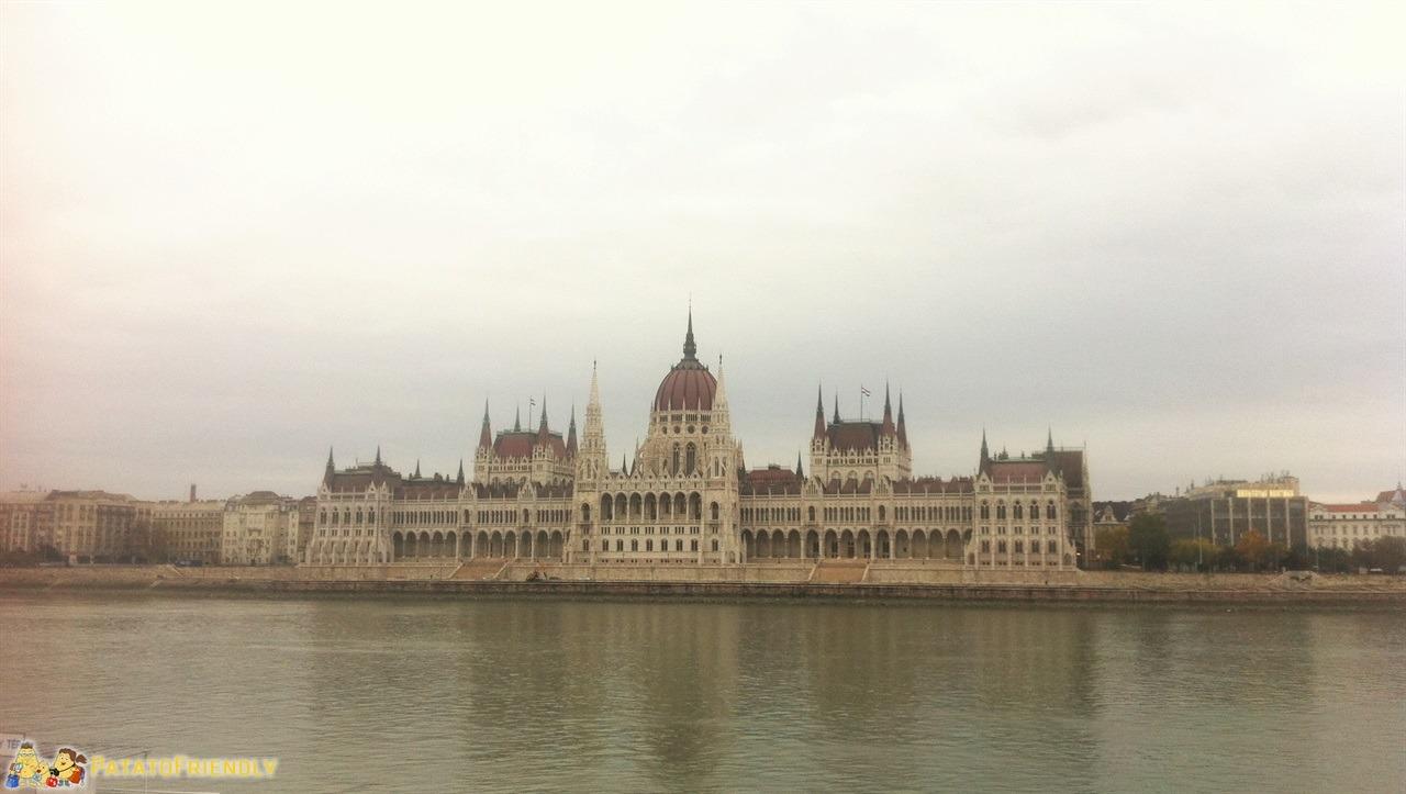 Viaggiare con un bambino - Il parlamento di Budapest
