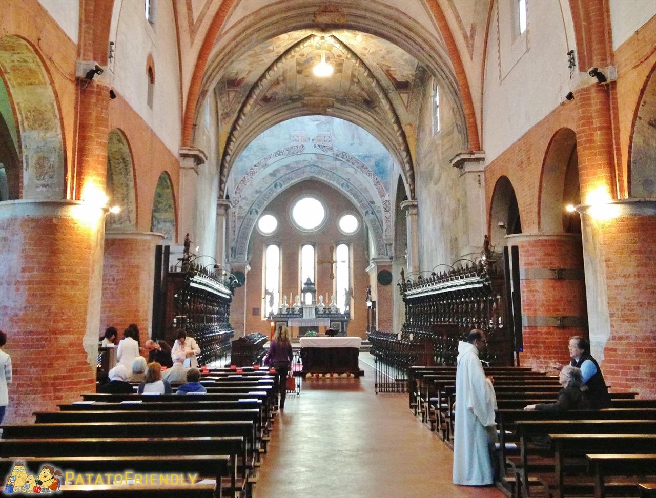 [cml_media_alt id='6061']L'abbazia di Chiaravalle - Gli splendidi interni[/cml_media_alt]