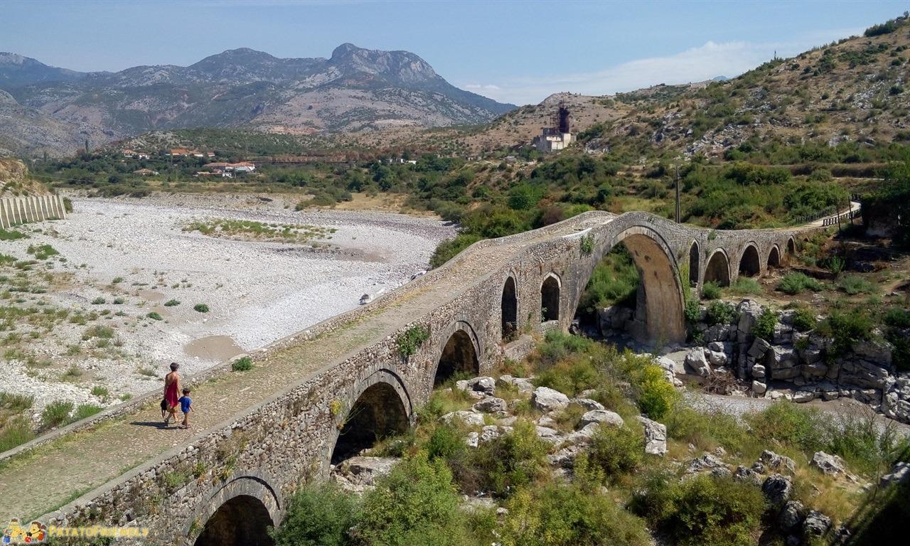 Scutari - Il bellissimo ponte romano di Ura e Mesit