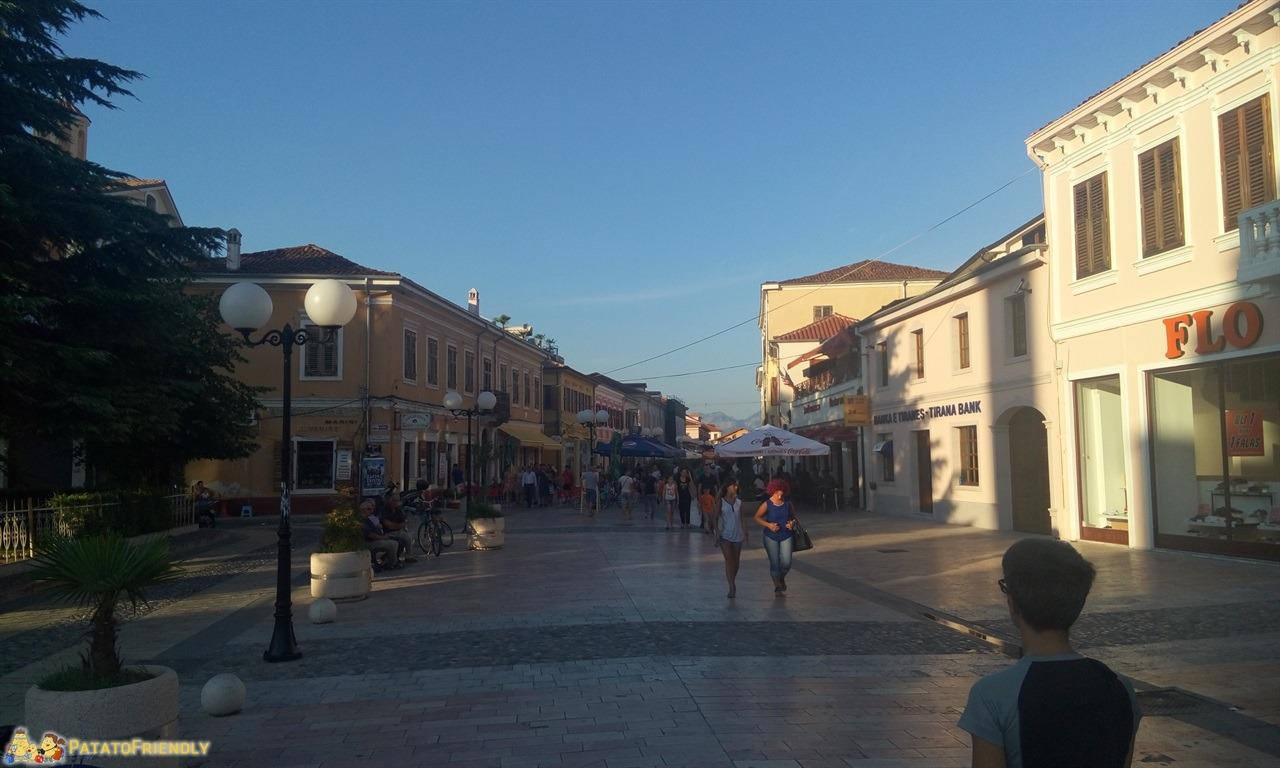 [cml_media_alt id='6645']Scutari - La via centrale di Shkodra ( Scutari)[/cml_media_alt]