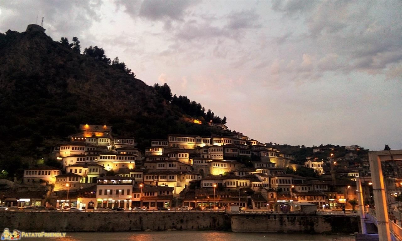 Berat - La città all'imbrunire