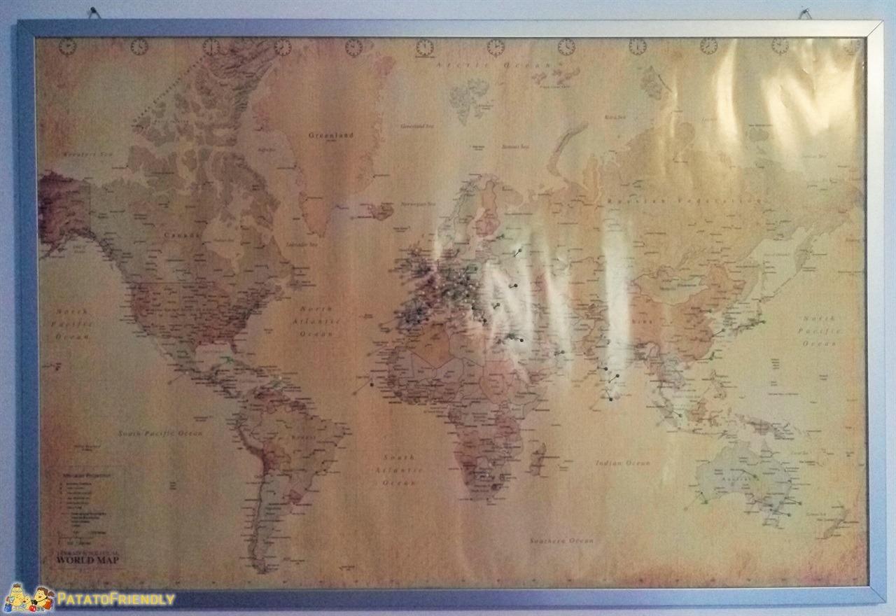 [cml_media_alt id='6705']Regali per Natale - Una mappa del mondo con gli spillini[/cml_media_alt]