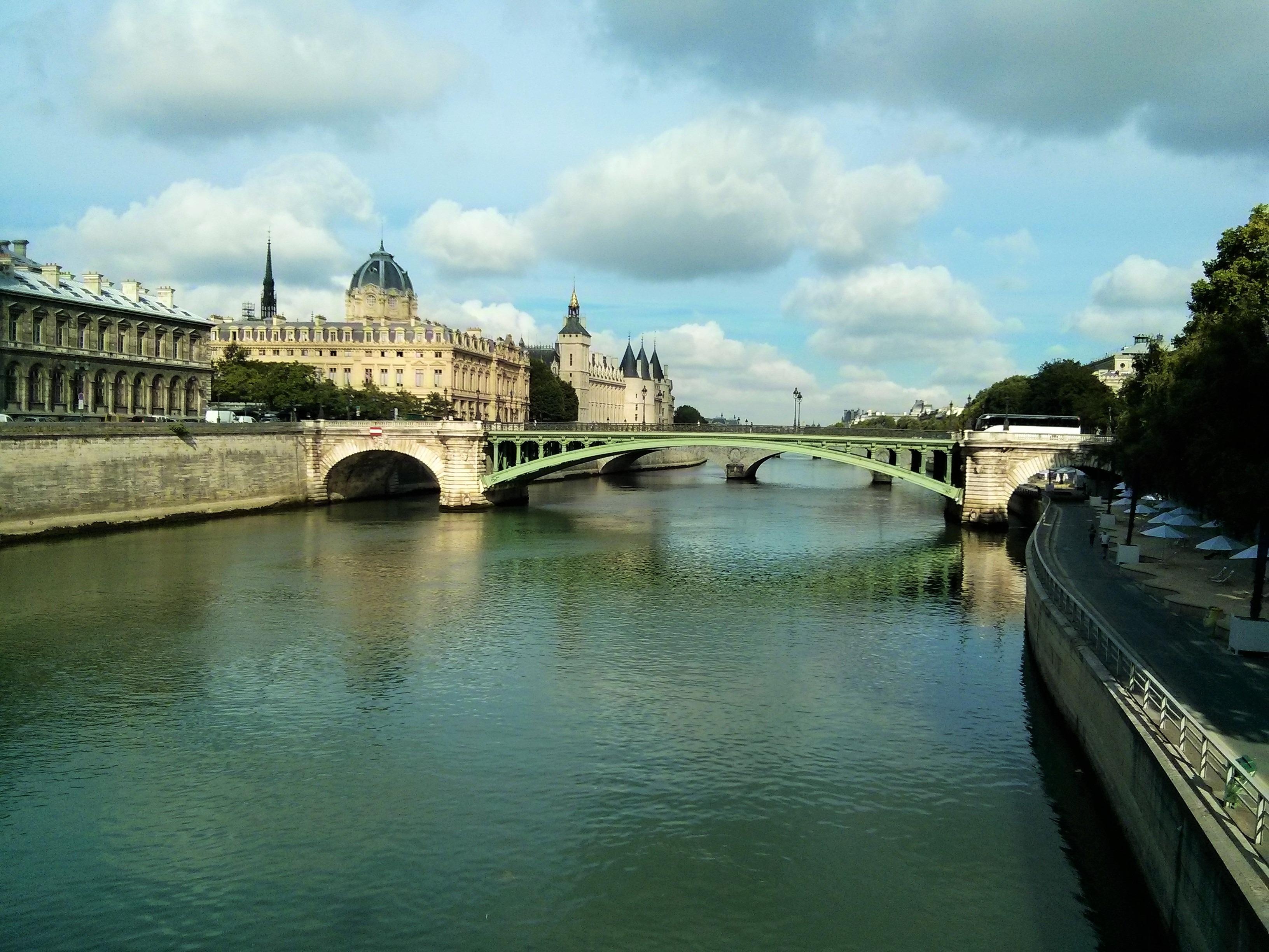 Un itinerario per visitare Parigi - La Senna