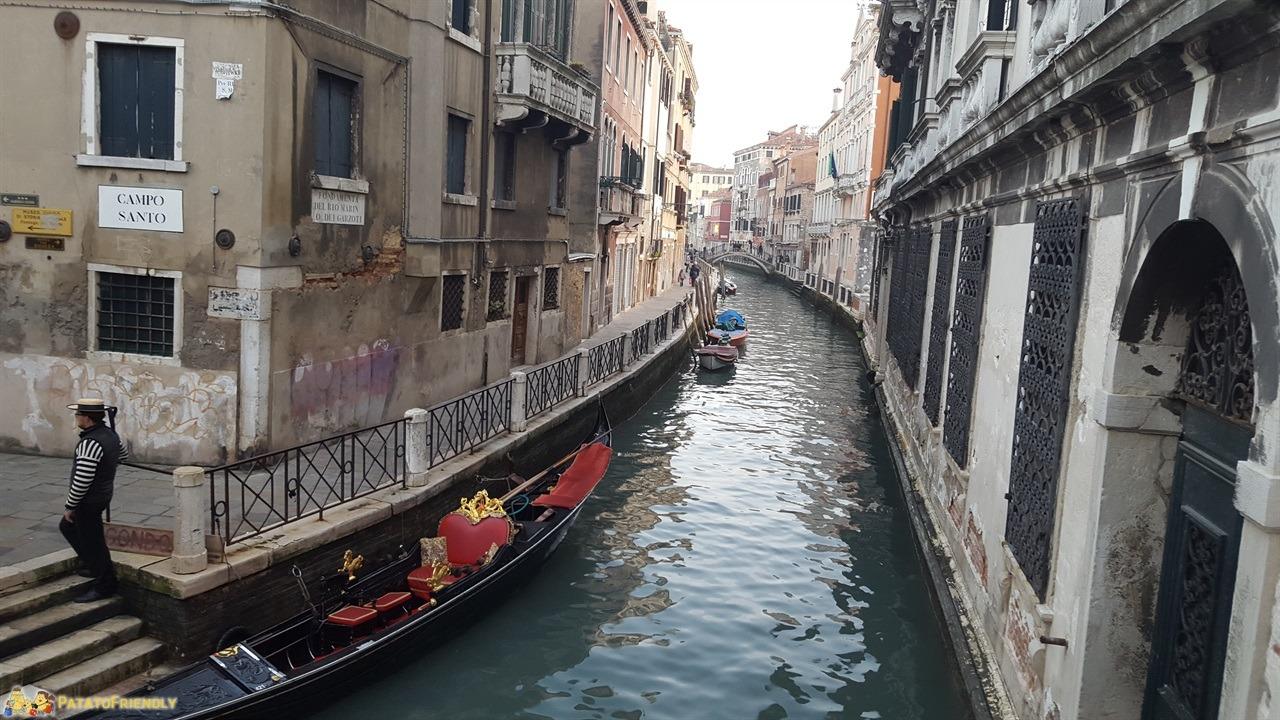 [cml_media_alt id='6876']Venezia a Natale - Uno dei tanti pittoreschi canali della città[/cml_media_alt]