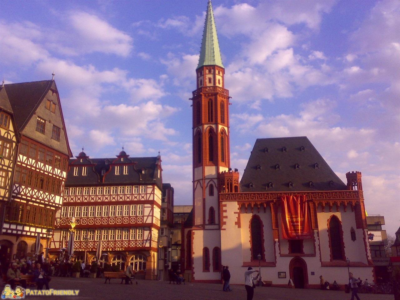 [cml_media_alt id='6765']Germania - Francoforte[/cml_media_alt]