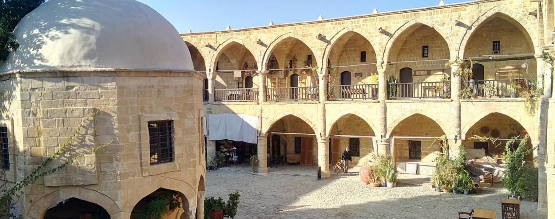 Visitare Nicosia - Lo splendido caravanserragio di Nicosia Nord