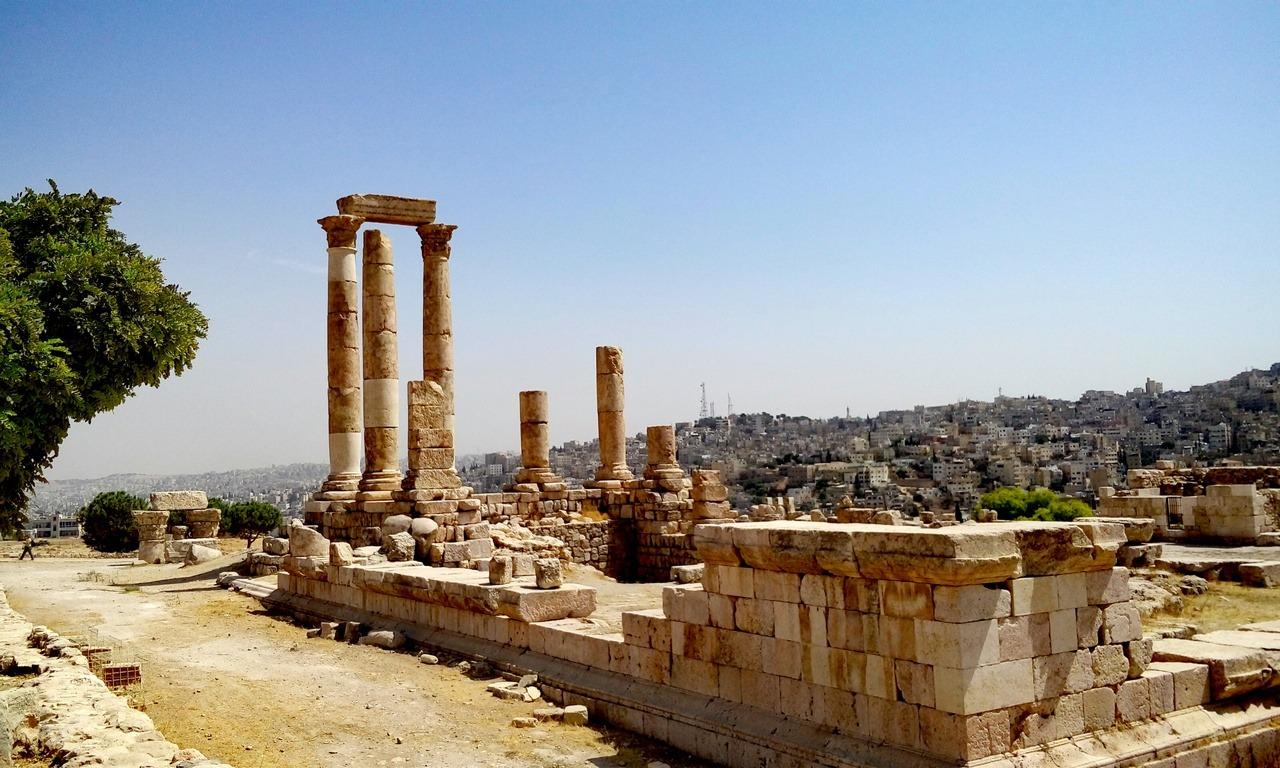[cml_media_alt id='7019']Visitare la Giordania - Le 5 mete da non perdere - Le rovine della Cittadella di Amman[/cml_media_alt]