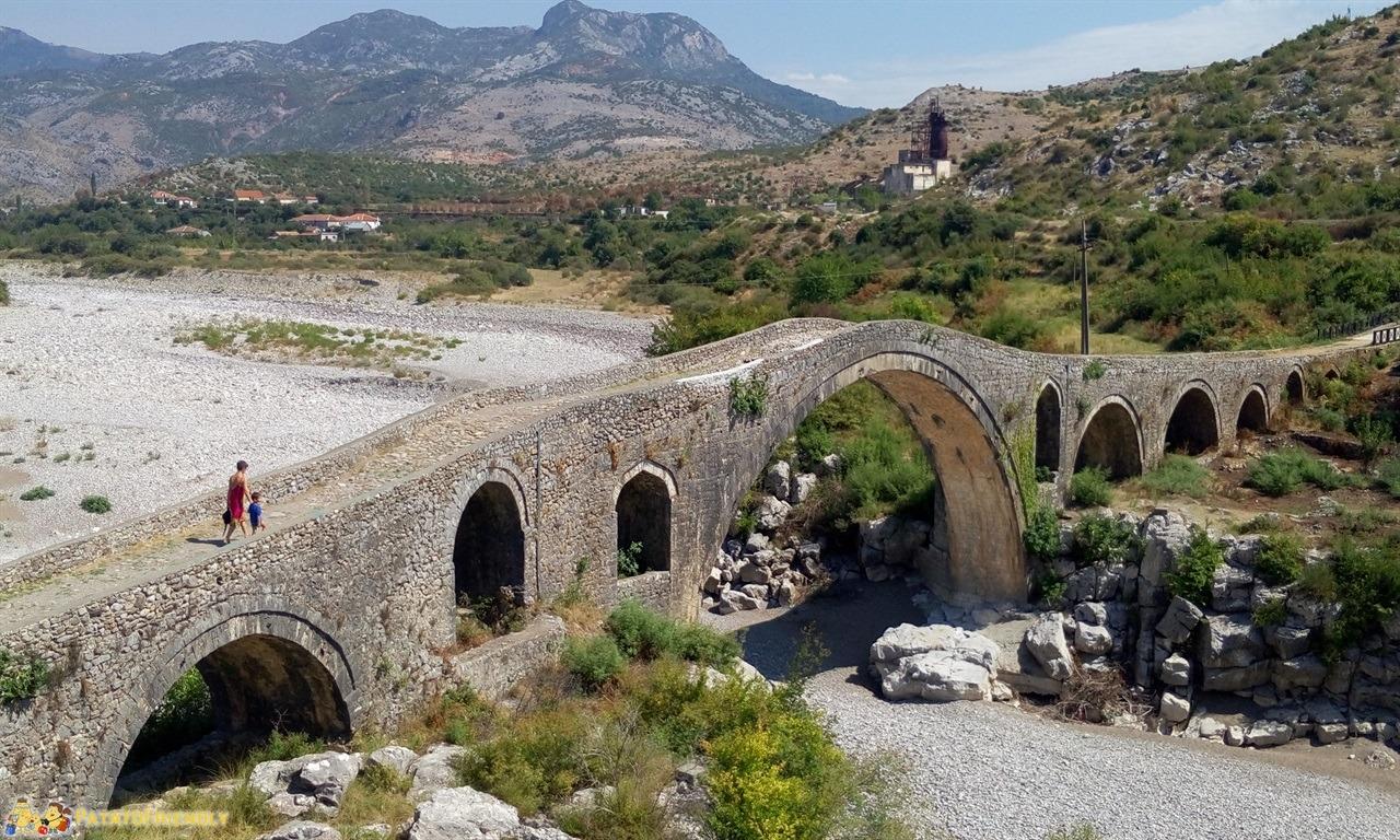 itinerario per un viaggio in Albania - Il bellissimo ponte romano di Ura e Mesit