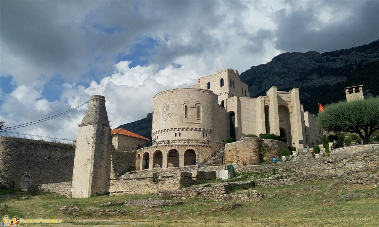 itinerario per un viaggio in Albania - Il castello di Kruja