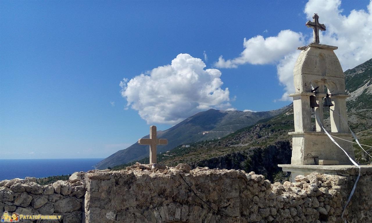 itinerario per un viaggio in Albania - La chiesa ortodossa di Dhermi