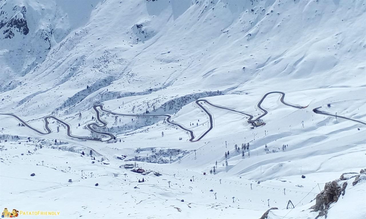 [cml_media_alt id='7265']Cosa fare in Val di Fassa - La strada che conduce al Passo del Pordoi[/cml_media_alt]