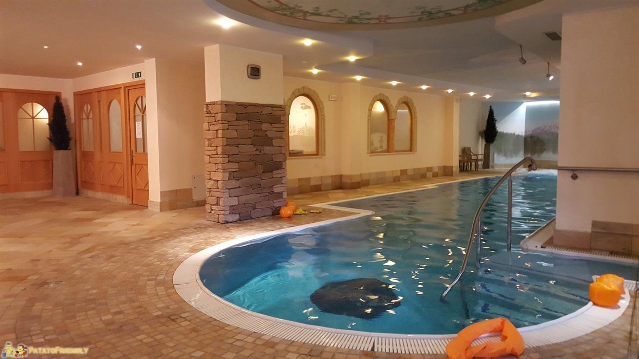 [cml_media_alt id='7238']Hotel per famiglie in Val di Fassa - La splendida piscina dell'hotel Dolce Casa di Moena[/cml_media_alt]