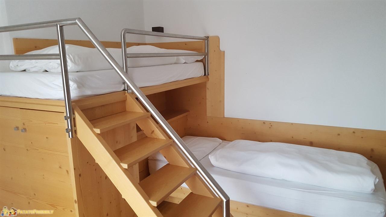 Hotel per famiglie in Val di Fassa - Una delle camere dell'Hotel Dolce Casa con i letti a castello