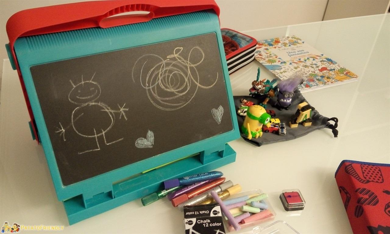Intrattenere i bambini in viaggio - La mitica lavagnetta portatile