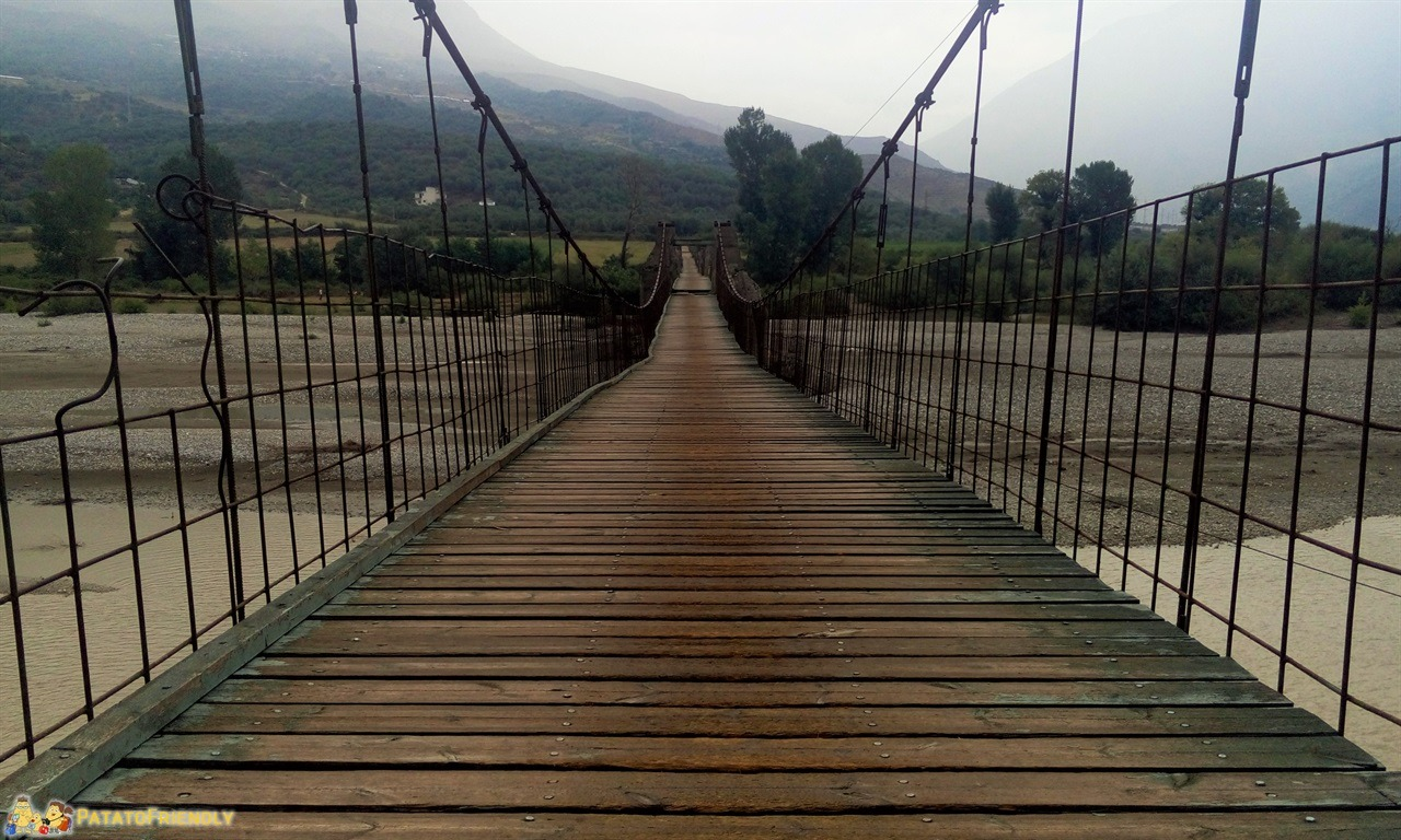 [cml_media_alt id='6595']Tepelene - Il ponte pedonale[/cml_media_alt]