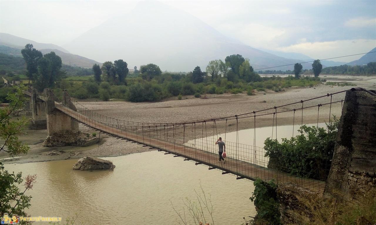 [cml_media_alt id='6596']Tepelene - Panorama sul ponte pedonale[/cml_media_alt]
