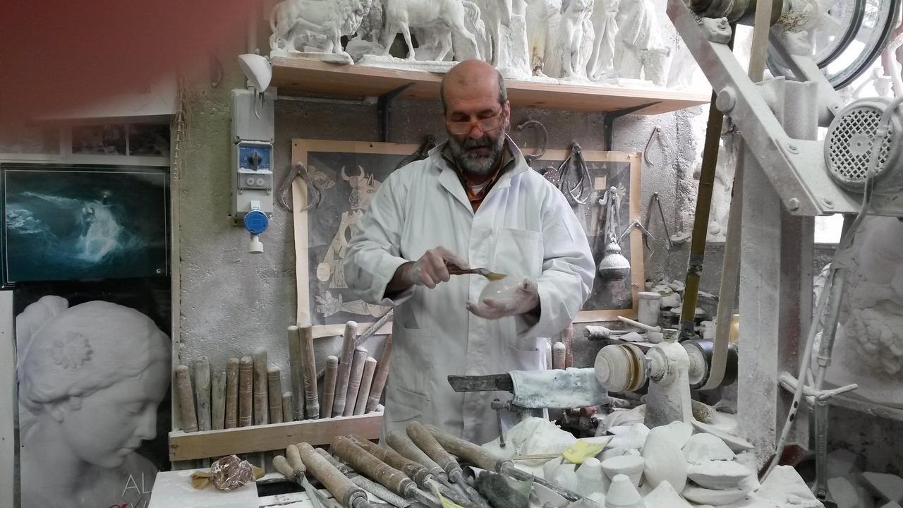 [cml_media_alt id='7371']Volterra - Mastro alabastraio - Credits Luisa[/cml_media_alt]