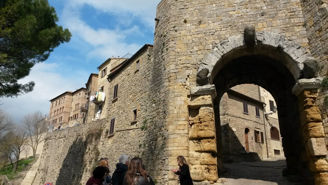[cml_media_alt id='7384']Volterra - Porta Etrusca - Credits Luisa[/cml_media_alt]