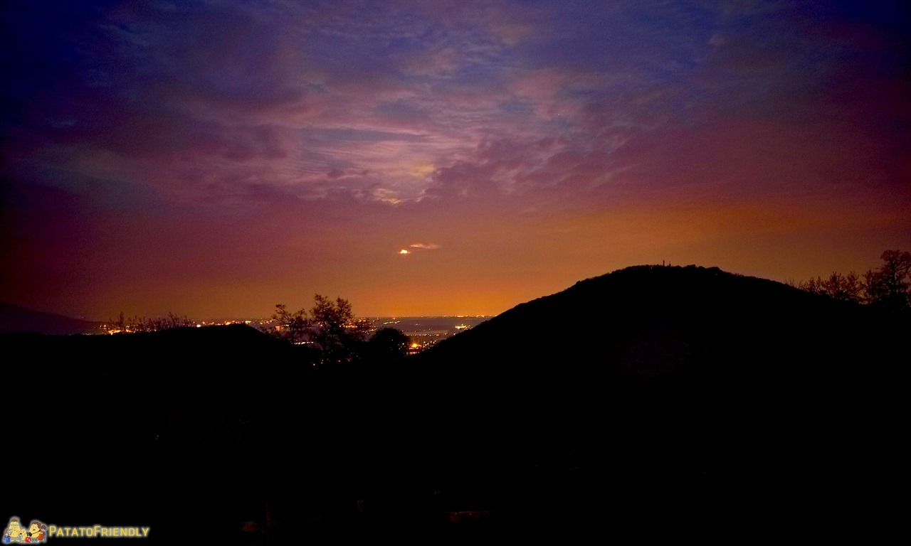 [cml_media_alt id='7495']Lago Maggiore - La notte dalle montagne sul lago[/cml_media_alt]