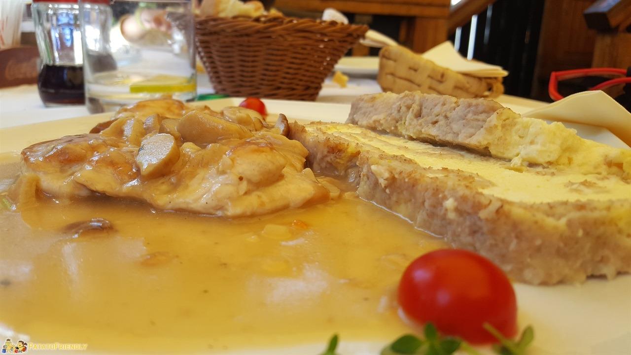 [cml_media_alt id='7732']Cosa fare in Bela Krajina - Piatto tipico al Gostilna Muller di Črnomelj[/cml_media_alt]