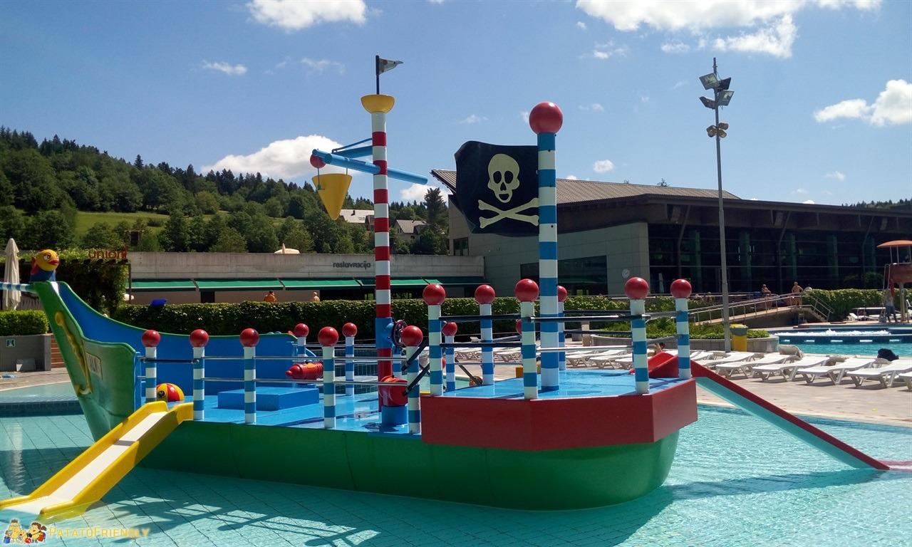 [cml_media_alt id='7850']Le Terme di Dolenjske Toplice in Slovenia - La bella barca dei pirati della piscina dedicata ai bambini[/cml_media_alt]