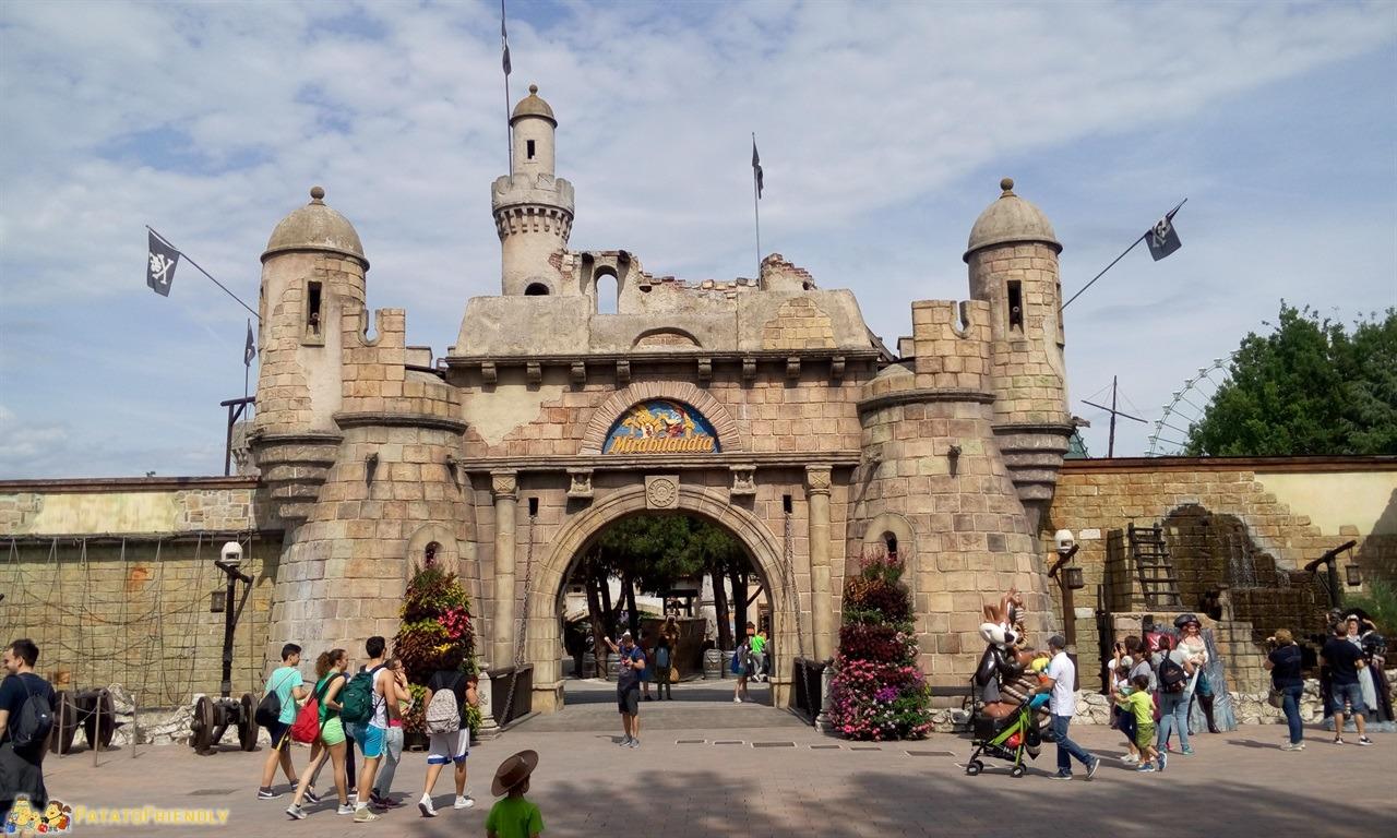 [cml_media_alt id='7775']Mirabilandia con un bambino di 4 anni - Il forte dei Pirati subito dopo l'ingresso al Parco[/cml_media_alt]