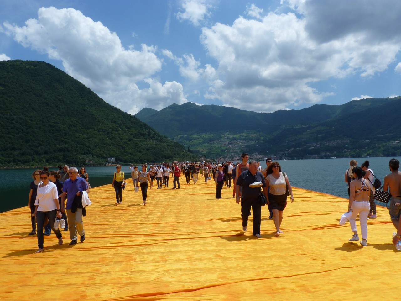 The Floating Piers - Il ponte galleggiante sul Lago d'Iseo