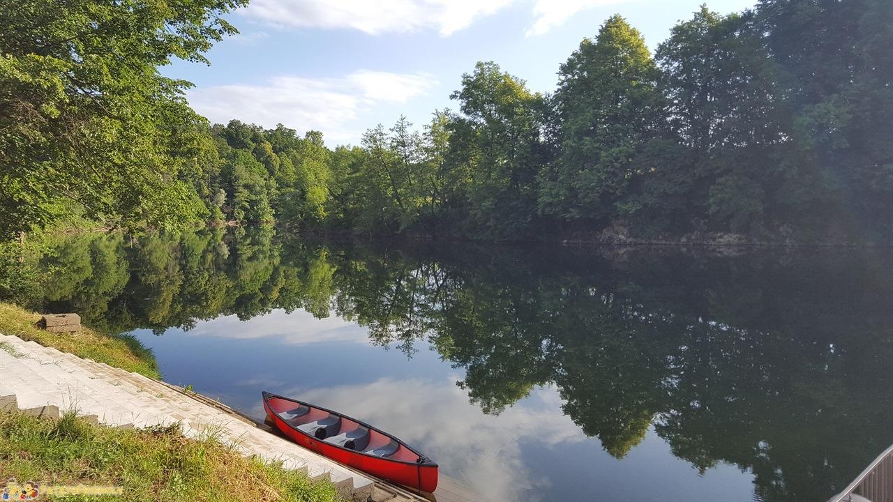 [cml_media_alt id='7689']Vacanza in Slovenia coi bambini - Il placido fiume Kolpa[/cml_media_alt]