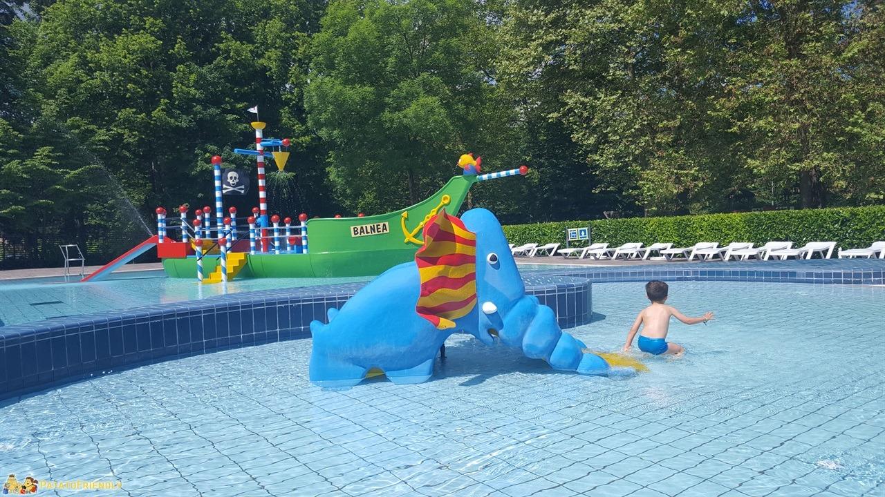 [cml_media_alt id='7691']Vacanza in Slovenia coi bambini - La grande piscina esterna delle Dolenjske Toplice[/cml_media_alt]