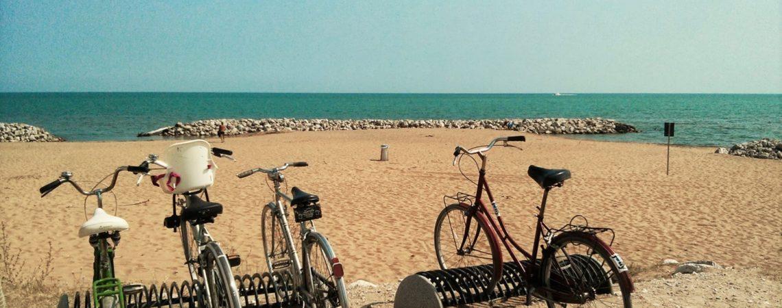 Cicloturismo a Bibione - Biciclette in spiaggia