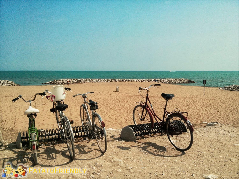 [cml_media_alt id='8126']Cicloturismo a Bibione - Biciclette in spiaggia[/cml_media_alt]