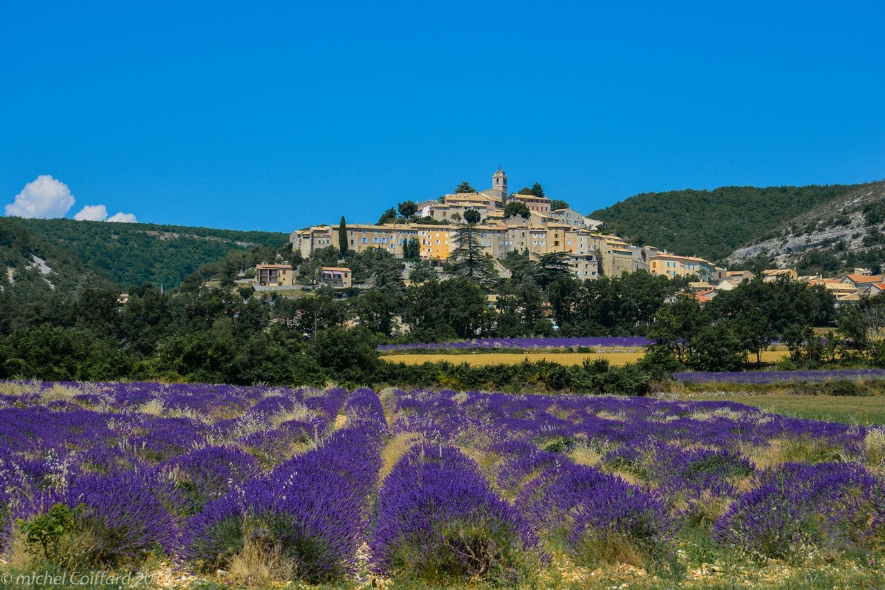 [cml_media_alt id='8113']Il villaggio di Banon in Provenza - Credits Michel Coiffard[/cml_media_alt]